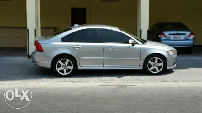 R design Volvo S40, Low mileage, Lady owner used, Very Good Condition