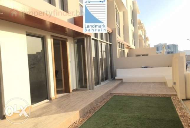 Brand new modern 5 bedroom villas available for sale in amwaj