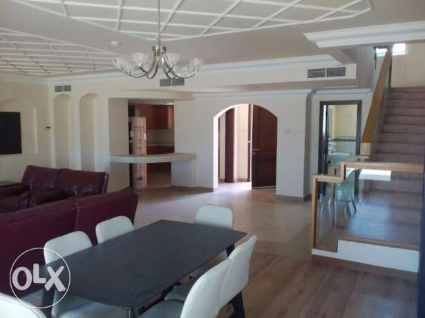 DUPLEX APARTMENT-3bedroom,4bathroom,hall,kitchen,balcony,parking