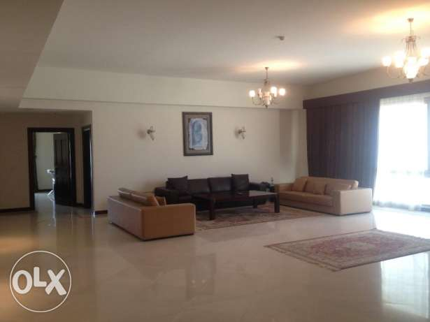 Spacious 3 Bed Apartment in central Seef rent 1000