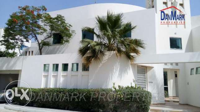 4 BED ROOM Semi Luxury 2 Storey Villa with Garden for rent MAHOOZ