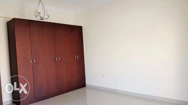 2 Bedroom flat semi furnished in Hidd