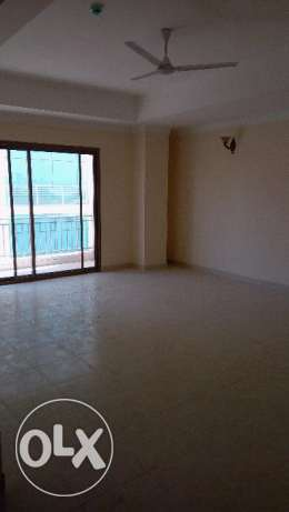 2 BR UnFurnished Apartment in Hidd