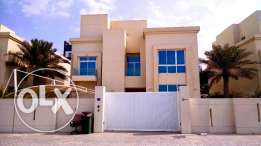 Fully Furnished 4 BR Luxury Villa In AMWAJ with Direct Access to Sea