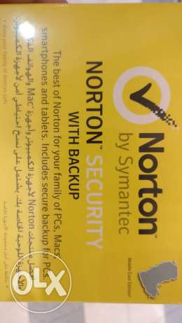 Norton security 10 user - 1 year validity