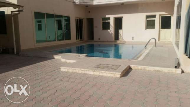 Luxurious 5 bedroom villa for rent in Juffair جفير -  8