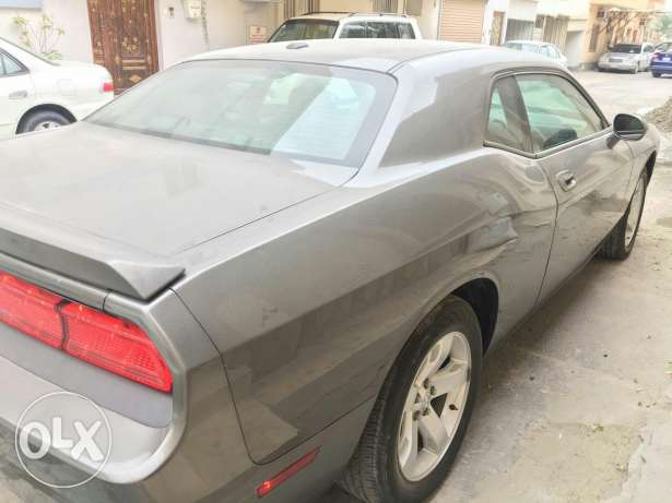 2010 dodge challenger v6 for urgent sale very low millage