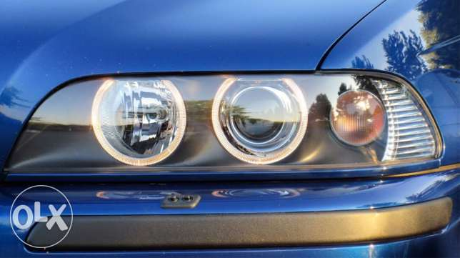 e39 headlight left side