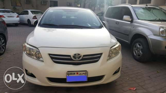 Toyota Corrola white colour on sale by Expat Engineer (No Accident)