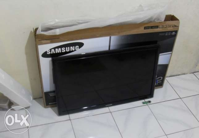 Samsung Television 32 Inches Led With Remote