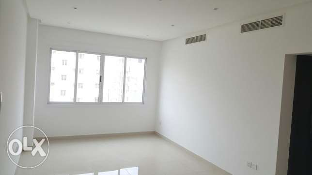 New hidd, 2 BHK apartment / semi furnished with Balcony