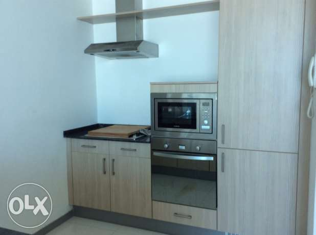 Sea view 2 bedroom semi furnished apartment السيف -  8