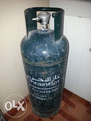 Bahrain Gas Cylinder with Full Gas and Regulator.35 BD with Delivery