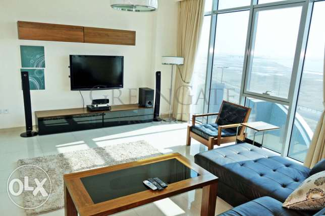 Ultra-modern 2br Apartment with Sea View