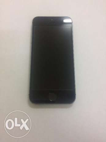 iphone 5s (same like brand new)