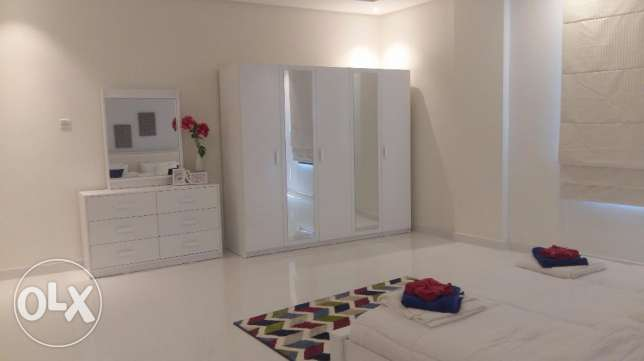Brand new 2 Bedrooms apartment with modern furniture fully furnished جزر امواج  -  5