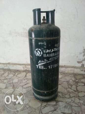 Bahrain Gas Cylinder with Full gas and Regulator .35 BD with Delivery Manama - image 1