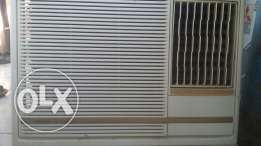 Selling Ac Window with fixing