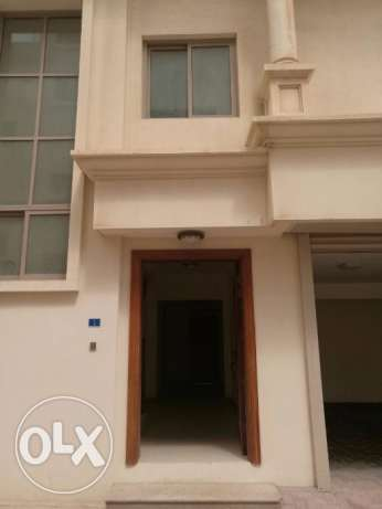 ADLIYA -Bhd. 850/- Exclusive- 4 Bedroom Compound Villa for Rent