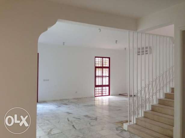 Commercial purpose villa for rent 1000 in Mahooz