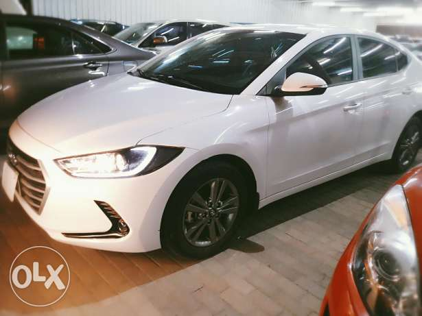 Hyundai elantra 2.0 model 2017 for sale on cash and bank installments