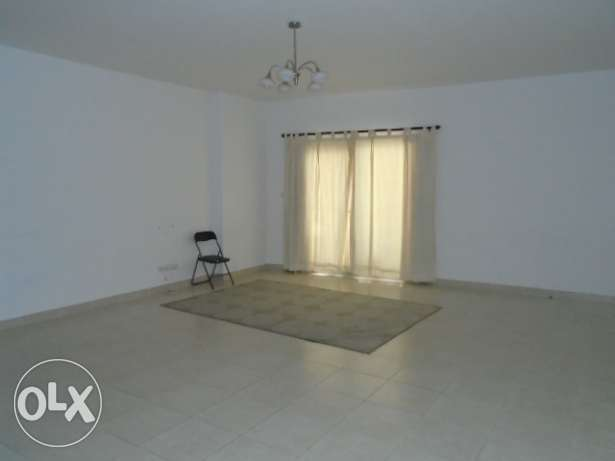 2 Bedrooms semi furnished flat with open kitchen - juffair