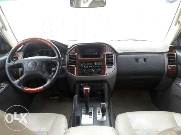 Mitsubishi pajero for sale with good number