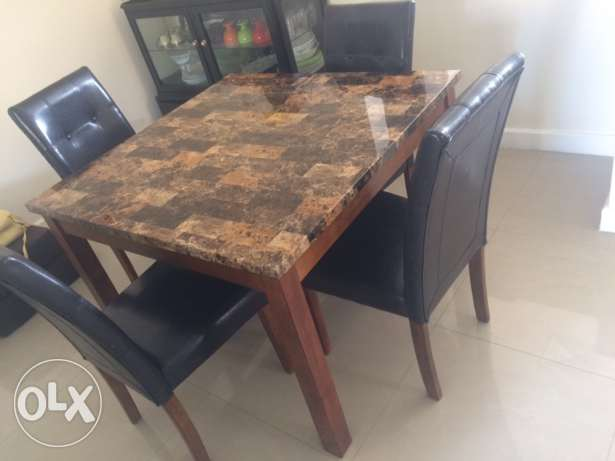 4 seater dining table for sale in mint condition