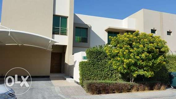 luxury villa semi furnished close to Saudi causeway