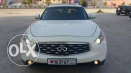 Urgent sale Infiniti fx35 fully loaded accident free
