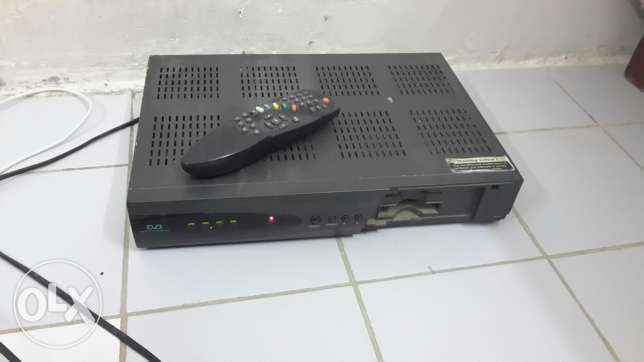 Humax Tv reciever for sale with dish 5 bd