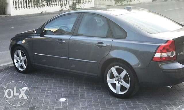 Volvo s40 fully loaded 2.5 t5 turbo 5 cylinder الرفاع‎ -  3