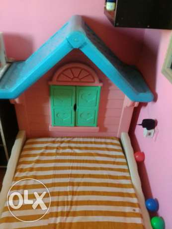 Kids bed with metres