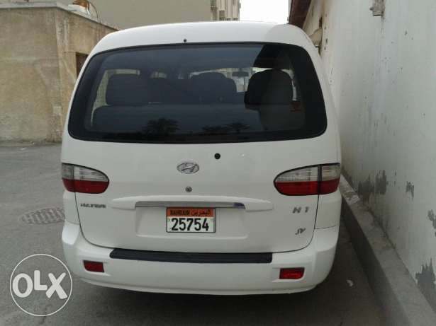 Hyundai H1 mini bus