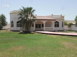 4 BR semi furnished villa for rent with large private garden/pool