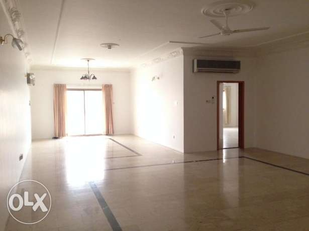 Specious 3bedroom SF apartment for rent 520 in Juffair
