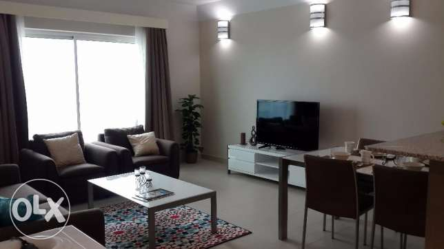 Stunning 2BR Flat with Sea View in Amwaj