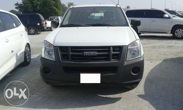 Isuzu D-Max Pickup Model 2011ايسوزو D- ماكس بيك اب
