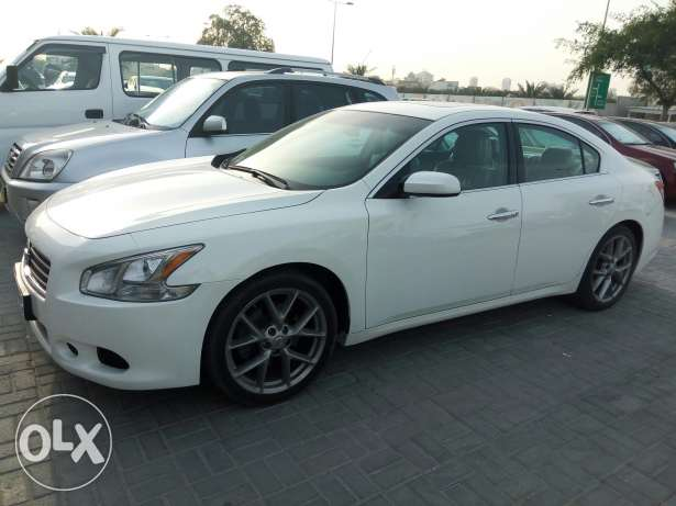 MAXIMA 2011 only 58000km monthly installment available through Bank