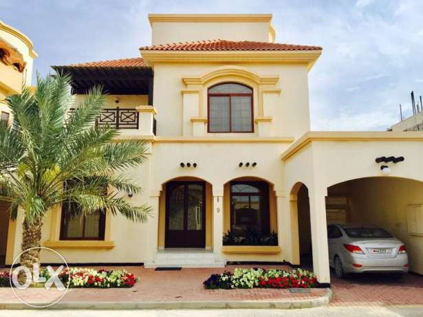 villa for rent in Hamala compound.