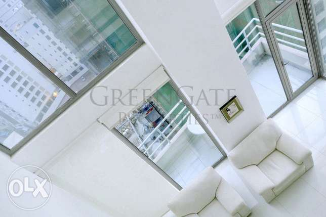 Bright and Airy 3 Bed Duplex Apartment!