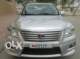 2011 Lexus LX570 in mint condition