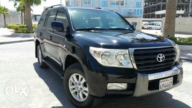 toyota landcruiser 2010 gxr V6 urgent sale or exchange with toyota car