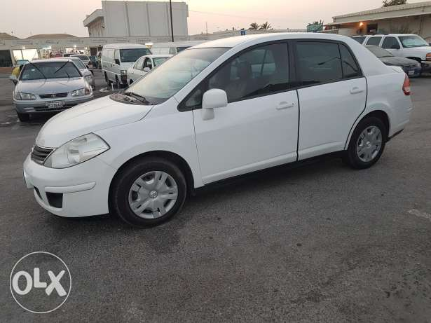 for sale nissan tiida model 2011