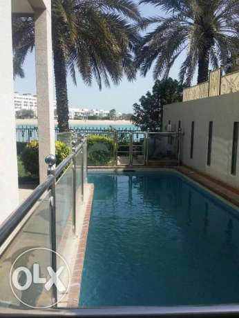 Villa for rent in Amwaj 3000BD Selling 500000