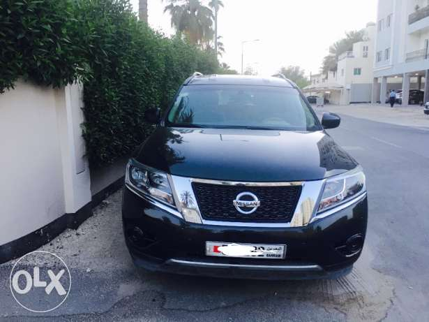 Nissan Pathfinder SUV 2015 model