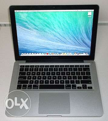 Apple MacBook Pro Core i5 Full Box Accesories New Condition