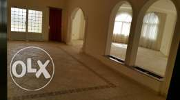 Very spacious 4 Bedroom Villa for rent