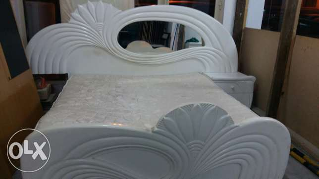 Bed with Mattress is for sale (Size 180*190) - Free delivery and fixin المنامة -  1