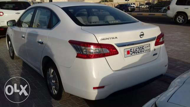 Nissan Sentra 1.6 L Color - White Model - 2014 CD Player // Air Bag